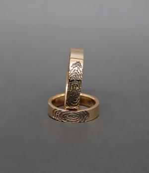 Обручальные кольца с отпечаткамит