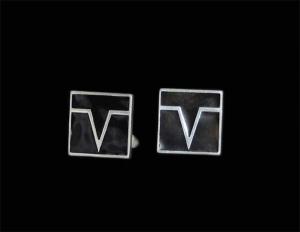 запонки логотип с эмалью